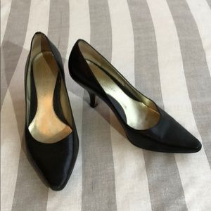 Joan and David black leather kitten heels